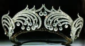 Hasn't every girl wished to wear something as exquisite as this?